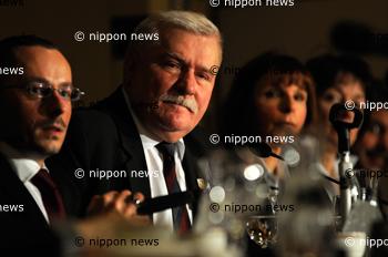 Lech Walesa visits Japan