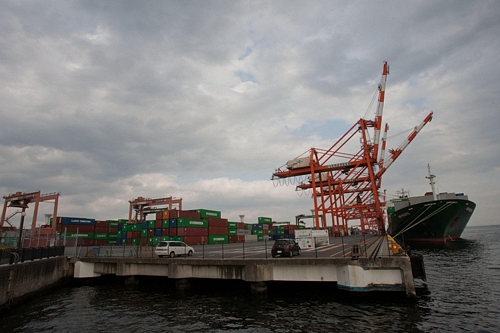 Japan's Exports Fall More Than Expected