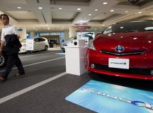 Toyota Forecasts 35 Percent Profit Drop After Quake