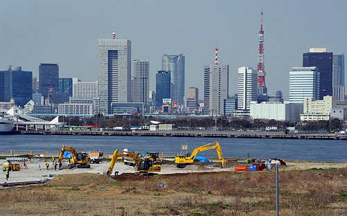 Tsukiji Fish Market Will Move to Reclaimed Land in Toyosu