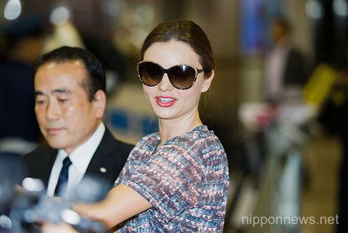 Miranda Kerr Arrives in Tokyo