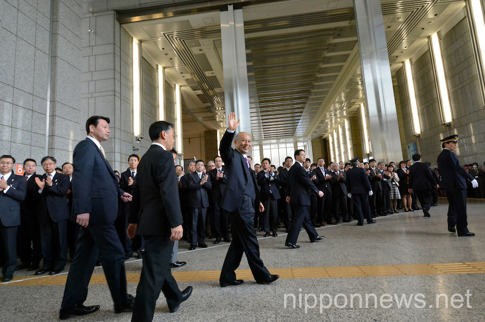 Yoichi Masuzoe First Work Day as Tokyo Governor