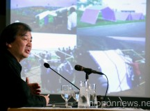 Shigeru Ban Speaks at the Foreign Correspondents' Club of Japan