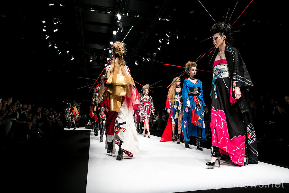 Mercedes-Benz Fashion Week Tokyo 2016 S/S: Yoshikimono First Collection