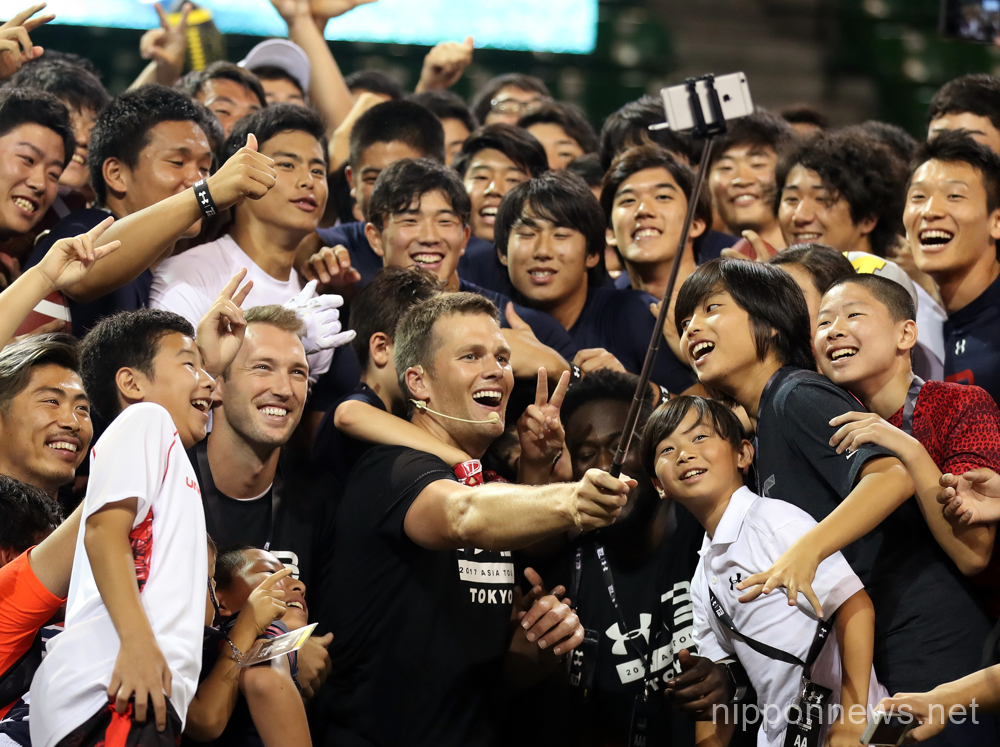 NFL star Tom Brady gives lesson to students in Japan