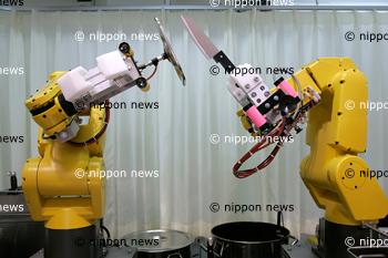 Ramen RobotRamen Robot『名古屋総本家 ふぁーめん』 ロボット店長が調理するラーメン屋