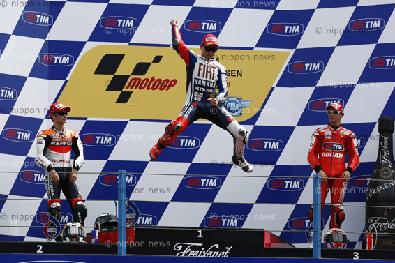 Lorenzo consolidates his position in Assen winLorenzo consolidates his position in Assen win ロレンツォ連勝 モトGPオランダGP決勝