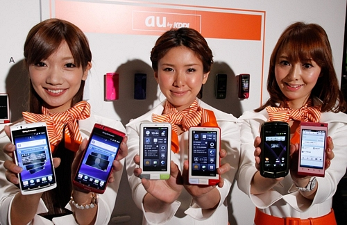 au by KDDI Launches 2011 Summer Mobile Devices
