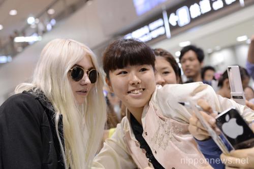 Taylor Momsen arrives at Narita International AirportTaylor Momsen arrives at Narita International AirportTaylor Momsen arrives at Narita International AirportTaylor Momsen arrives at Narita International Airport