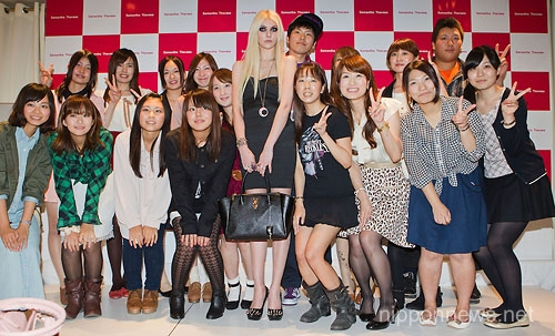 Taylor Momsen Promotes Samantha Thavasa in TokyoTaylor Momsen Promotes Samantha Thavasa in TokyoTaylor Momsen Promotes Samantha Thavasa in TokyoTaylor Momsen Promotes Samantha Thavasa in Tokyo
