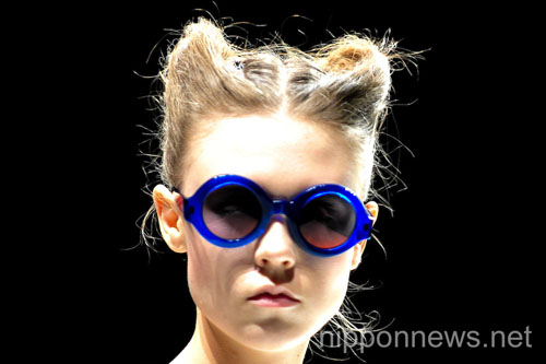 (English) G.V.G.V- Mercedes-Benz Fashion Week Tokyo 2013 Spring/Summer