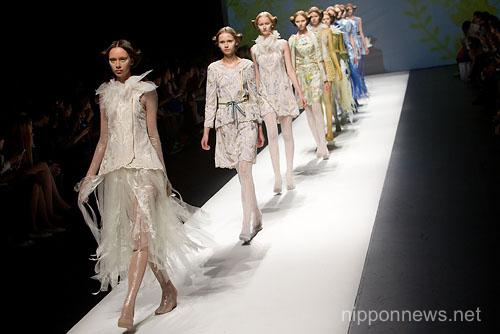 SOMARTA – Mercedes-Benz Fashion Week Tokyo 2013 Spring/Summer