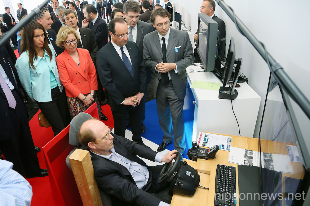 "France's President Francois Hollande attends to ""Innovons ensemble"" at Shibuya Hikarie in Tokyo."