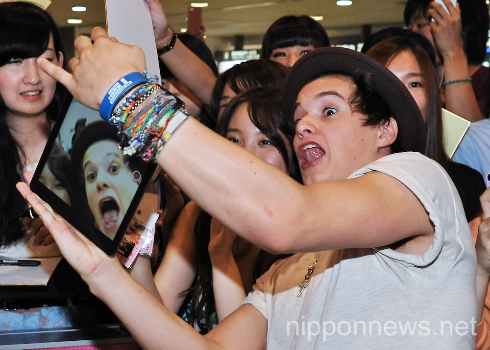 The Vamps Arrive in Japan