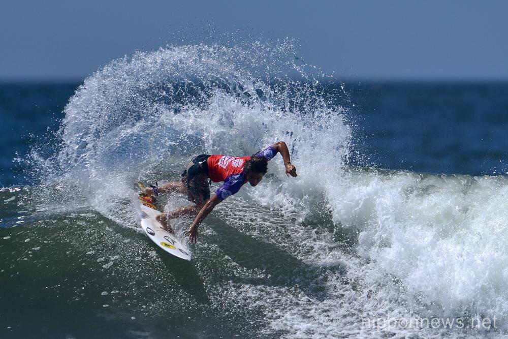 Guy Sato (JPN),  JULY 15, 2015 - Surfing : World Surf League (WSL) Qualifying Series, Murasaki Sports Presents Shonan Open at Kugenuma Kaigan, Kanagawa, Japan. (Photo by AFLO SPORT)
