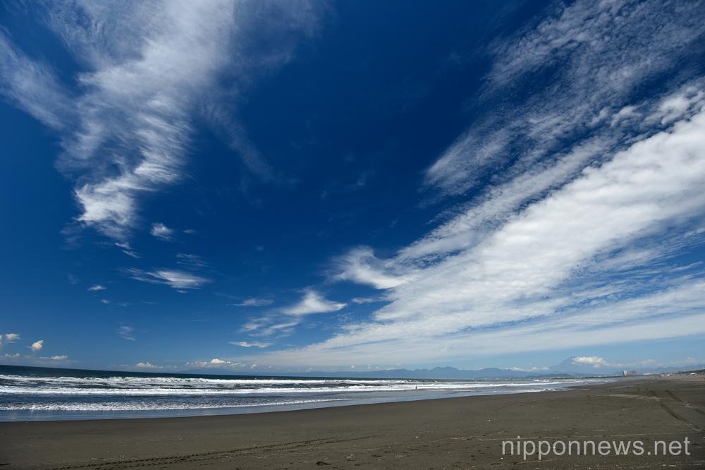 General view,  JULY 15, 2015 - Surfing : World Surf League (WSL) Qualifying Series, Murasaki Sports Presents Shonan Open at Kugenuma Kaigan, Kanagawa, Japan. (Photo by AFLO SPORT)