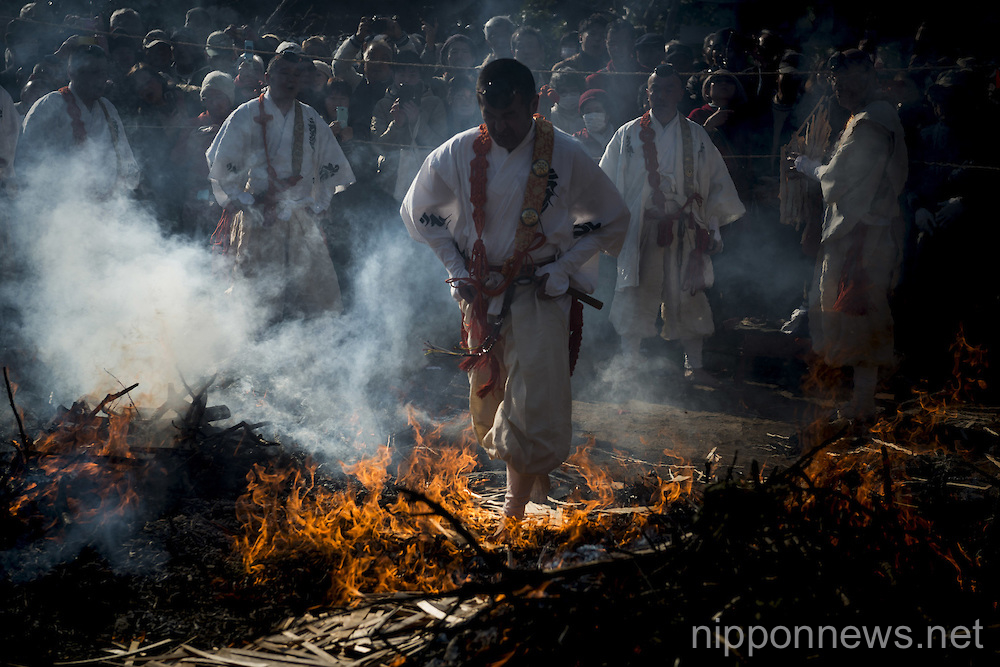 Manpuku-temple Firewalking Festival