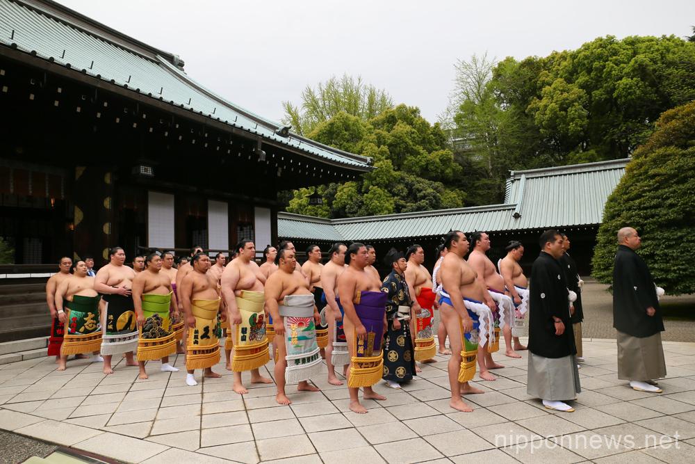 Sumo at Yasukuni Shrine in Tokyo
