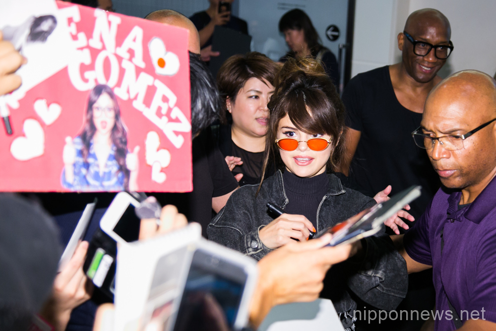 Selena Gomez arrives in JapanSelena Gomez arrives in JapanSelena Gomez arrives in JapanSelena Gomez arrives in JapanSelena Gomez arrives in Japan