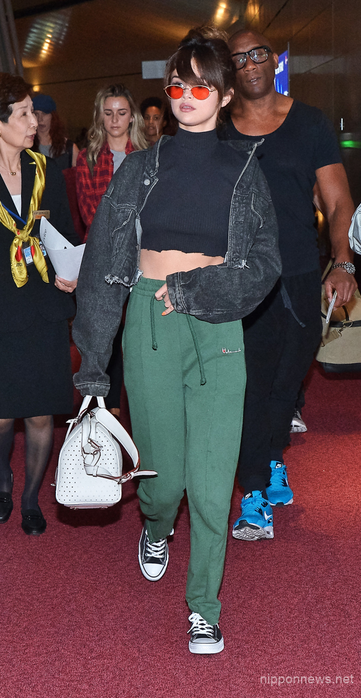 Selena Gomez arrives in Japan