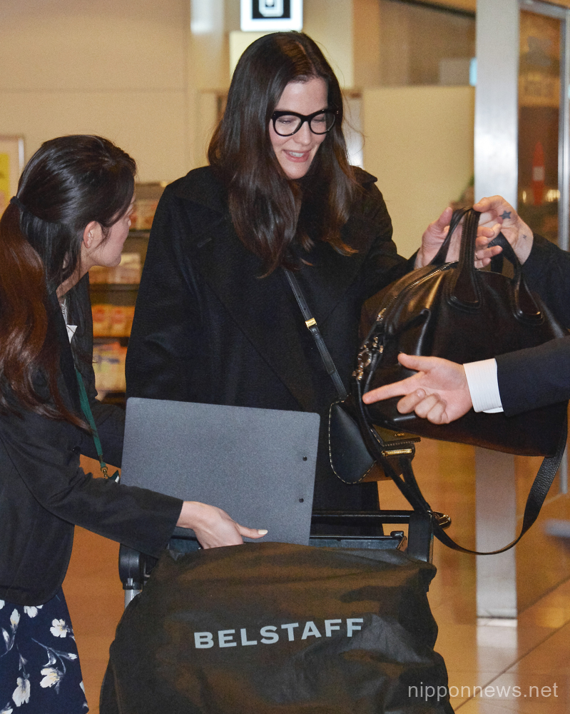 Liv Tyler arrives at Tokyo International Airport