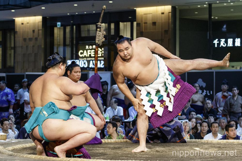 Hakkiyoi KITTE Sumo event at Tokyo Station